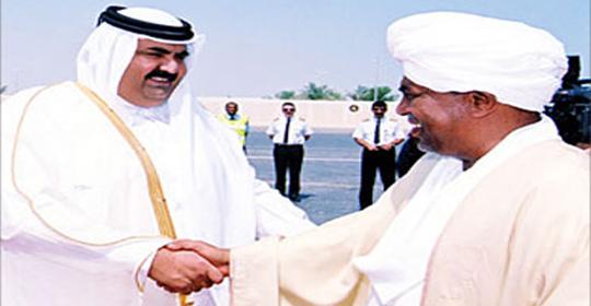 هل تنجح جهود أمير قطر في تجميد تحرك المحكمة الجنائية لتوقيف البشير ؟