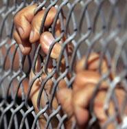 مصادر سياسية: حكومة الذهبي رفضت طلبا عراقيا لطي صفحة المعتقلين