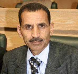 وزير الداخلية اللبناني يسلم النائب المناصير سيارته المسروقة
